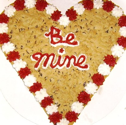 Valentines Cookies on Cookie   The New Cookie Cake From Mrs   Fields Is An Awesome 13